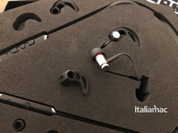 italiamac forza metallo wireless auricolare 620x465 Forza Metallo Wireless, gli auricolari di V Moda personalizzabili