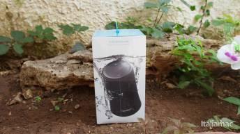 %name SoundCore Flare: Lo speaker impermeabile di Anker con suono a 360 gradi