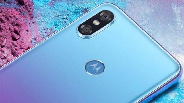 %name Da Motorola arriva P30 il clone delliPhone X