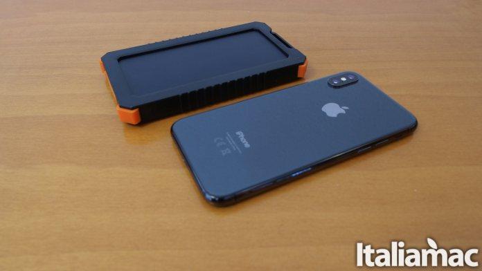 italiamac xtorm impulse back iphone x Impulse: Il caricabatterie solare da 5.000mAh impermeabile di Xtorm
