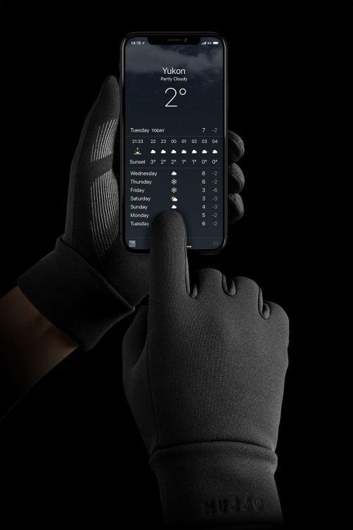 italiamac touchscreen gloves 02 Idee regalo Natale 2018: 10 regali Hi Tech a meno di €100