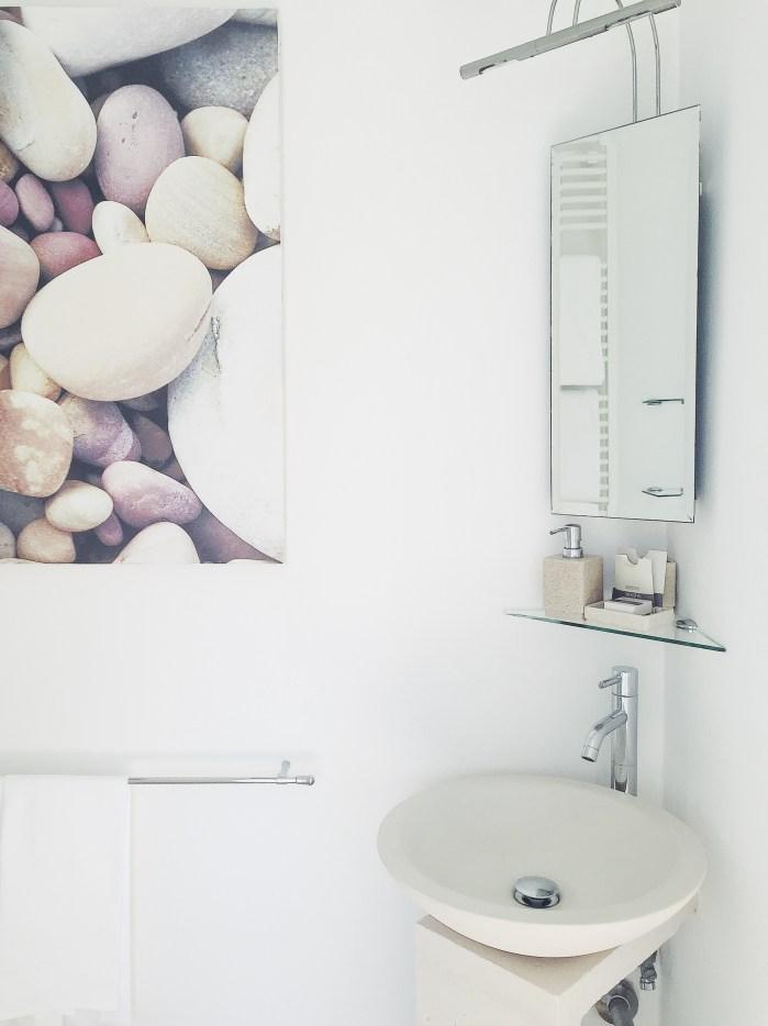 charming-holiday-villa-tuscany-bathroom