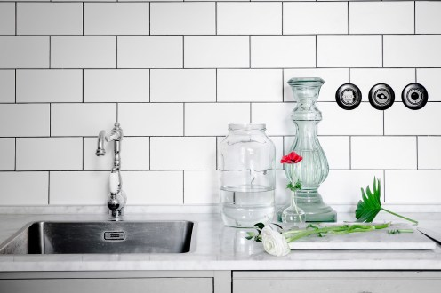 total-white-small-apartment-sweden-italianbark-interiordesignblog (5)