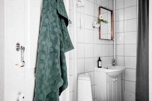total-white-small-apartment-sweden-italianbark-interiordesignblog (7)