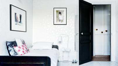 colourful apartment in paris, paris interior, turquoise interior, italianbark interior design blog, floral wallpaper,