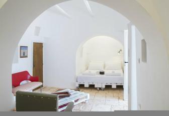 design trullo, puglia interior design, beautiful italian interiors, mediterranean style, italianbark, vintage decor