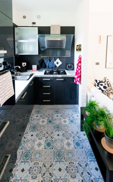 living-room-before-after-restyling-makeover-scandinavian (20)