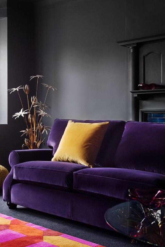 Pantone 2018 ultra violet decor, violet interiors, violet sofa