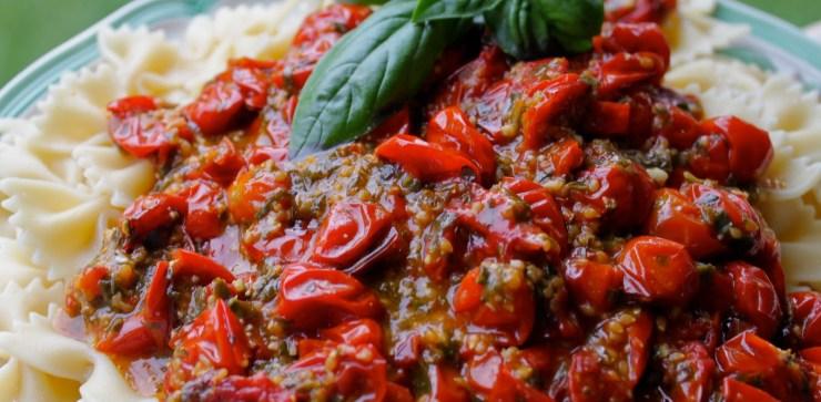 farfalle and sweet tomato sauce