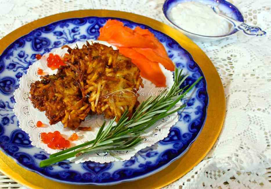 Best Potato Latkes with Italian Herb Yogurt Sauce #MadeWithChobani