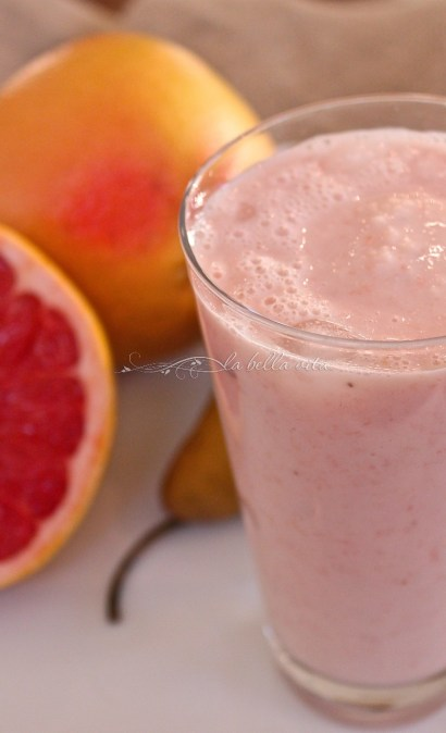 Pretty in Pink Grapefruit and Pear Smoothie