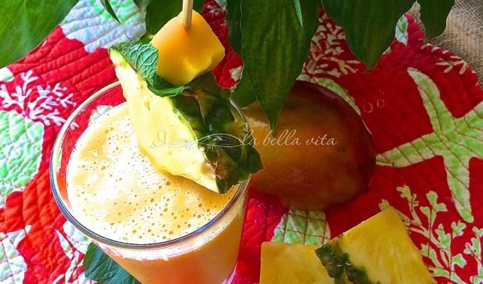 Anti-Inflammatory Pineapple, Mango and Ginger Smoothie