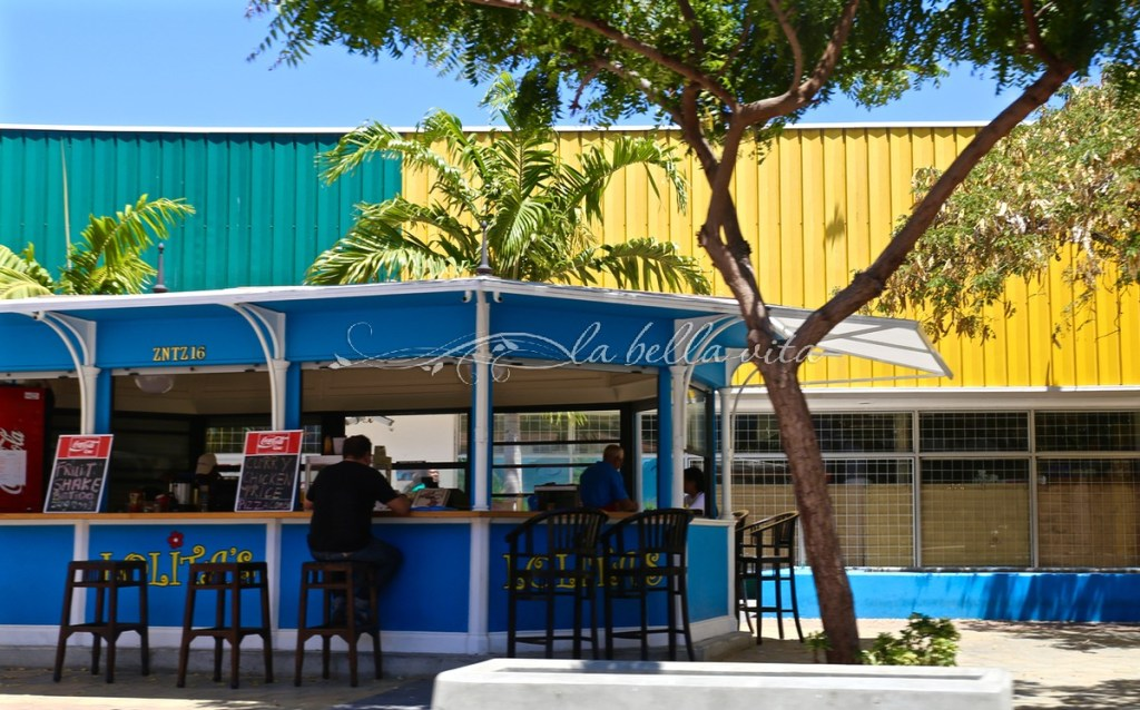 What to see in Aruba Color and Architecture
