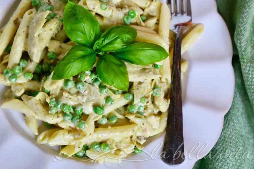 Creamy Artichoke, Pea and Pesto Pasta Salad