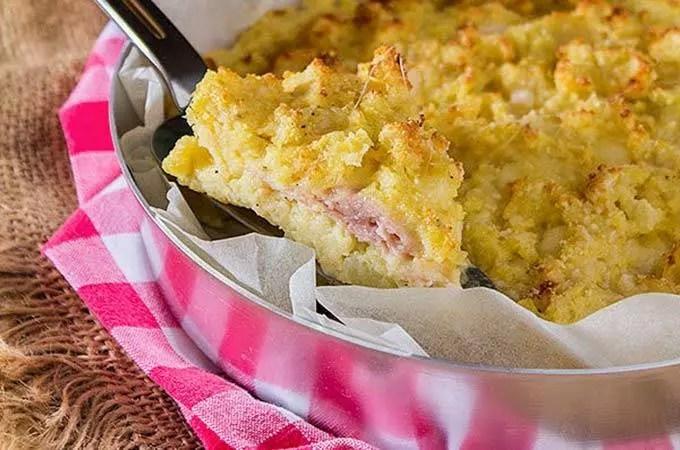 Sbriciolata di patate prosciutto e scamorza (video ricetta)