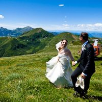 An original scenario for country wedding pictures