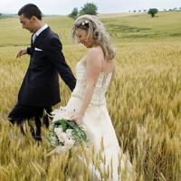 Golden wheat fields for your dreamy country wedding