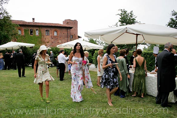 outdoor country wedding in Piemonte Italy
