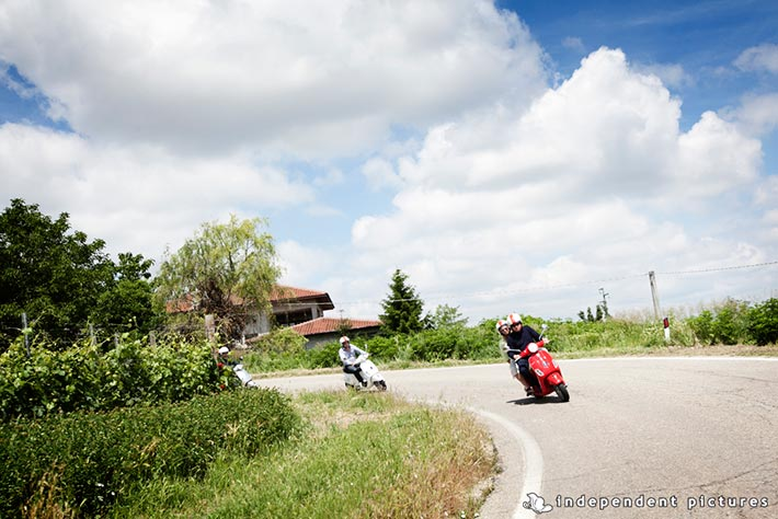 07_Vespa-tour-weeding-in-Langhe