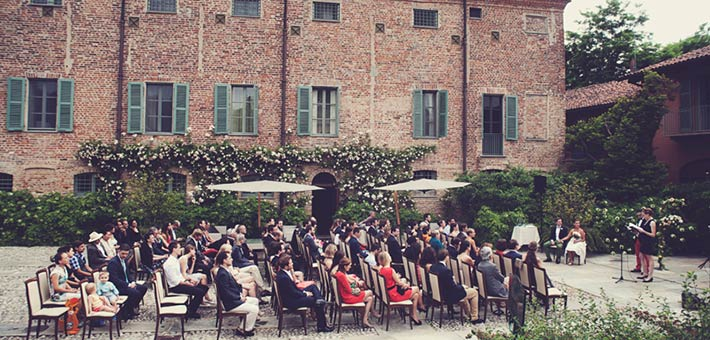 A Country Wedding in a stunning Relais on Monferrato vines hills