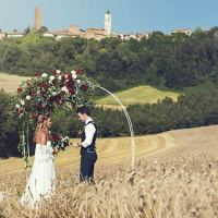 A Romantic Elope in a Wheat Meadow in Monferrato - Piemonte Countryside
