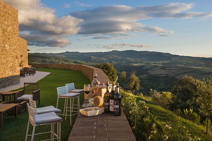 velona_castle_country_wedding_venues_tuscany