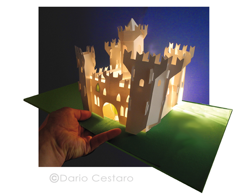 Castello di carta illuminato Dario Cestaro