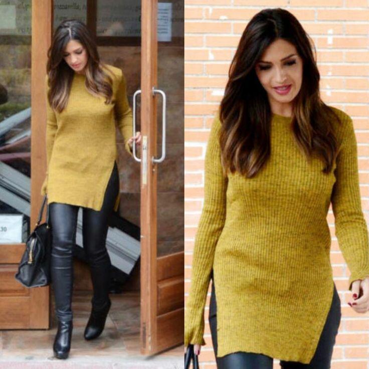 Zara interpreta i colori e le tendenze del 2017 con una linea di pullover larghi e ariosi, color giallo intenso. Da abbinare con il rosa per un effetto pesca