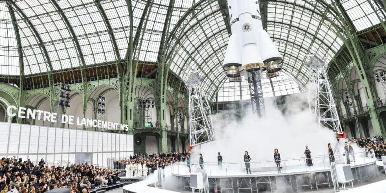 Il lancio del razzo targato Chanel è stato il momento clou del Paris Fashion Week 2017
