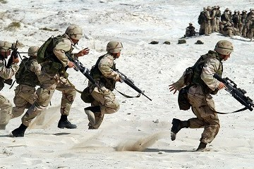 Soldati in guerra (fonte foto Pixabay)