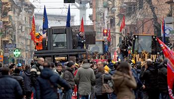 Ilva, nella città di Genova terza giornata di protesta