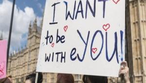 brexit - Giovani studenti protestano - www-repubblica-it - 152729166-90e3bcba-e9a7-41f3-afd2-2c97791e36a7 - 350X200
