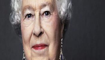 La Regina Elisabetta sul trono da 65 anni, è Giubileo di Zaffiro