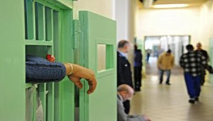 Un detenuto del carcere psichiatrico giudiziario di Montelupo Fiorentino, 3 marzo 2013. ANSA/MAURIZIO DEGL' INNOCENTI