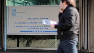 Foto Ipp/Clara Violeta Biondo - Milano 16/11/2012 - Sede dell'Istituto Nazionale Prevenzione Sociale Inps in Via Melchiorre Gioia a Milano