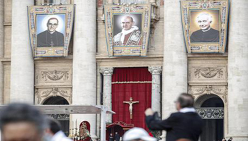Papa, Montini santo, lasciamo ricchezze
