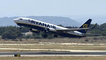 Ryanair, firmato il controllo collettivo degli assistenti di volo