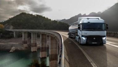 Camion-Renault-712x534 - www-panorama-auto-it - 350X200