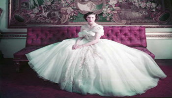 Christian Dior: la mostra 'Designer of Dreams' al V&M di Londra