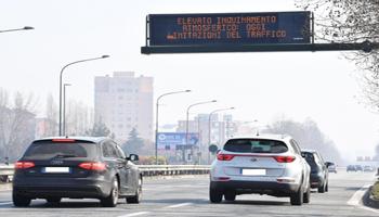 Ue, Italia con più aree rischio per smog
