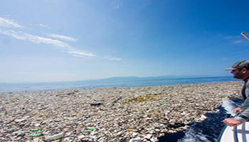 L'Italia esporta 197 mila tonnellate di plastica (che non sa come smaltire)