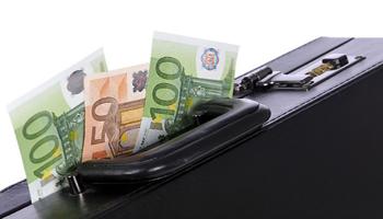 I bonifici sui conti esteri potrebbero essere indizio di denaro in nero