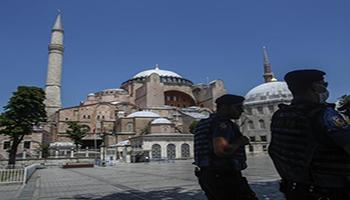Turchia, Santa Sofia diventa moschea Ergogan: «Prima preghiera il 24 luglio»
