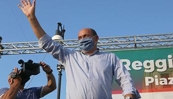 Il Covid fa festa in Regione: al rinfresco un invitato si ammala di coronavirus