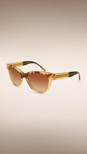 Gli occhiali da sole Burberry Cat-eye