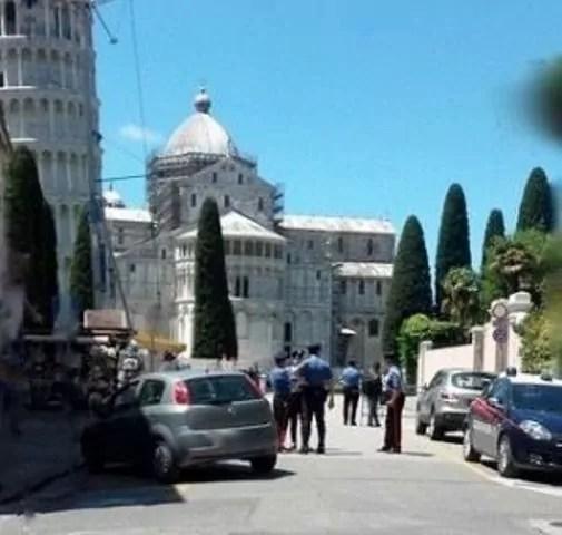 Controlli antiterrorimso a Pisa, dove è stato arrestato un tunisino che progettava attacchi suicidi ala torre pendente