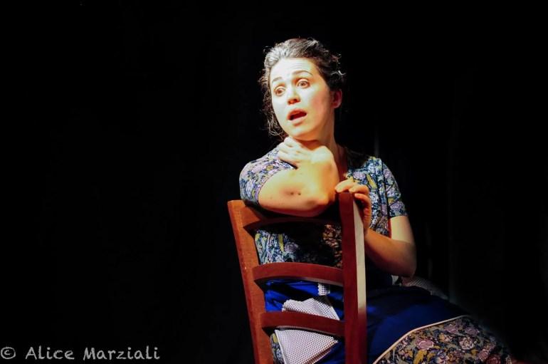 """CalenzanoTeatroFEstival, Gloria Gulino in """"Promemoria""""."""