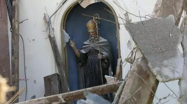La Chiesa di Sant'Antonio a Visso, danneggiata dal terremoto in centro Italia (ph. Ansa)