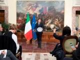 Giornate convulse per il mondo politico italiano alle prese con le controverse decisioni imposte dalle dimissioni di Matteo Renzi: quale governo e quando votare le ardue scelte.