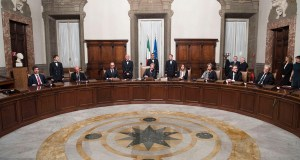 Il primo Consiglio dei Ministri presieduto da Paolo Gentiloni si è riunito oggi, lunedì 12 dicembre 2016.